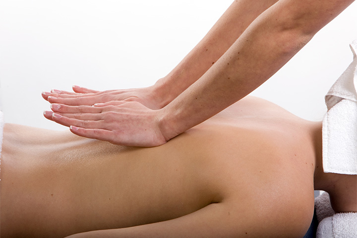 Relaxation back massage at Aroma Touch pamper package
